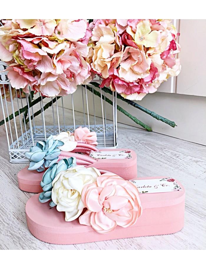 Sandalias flores rosas